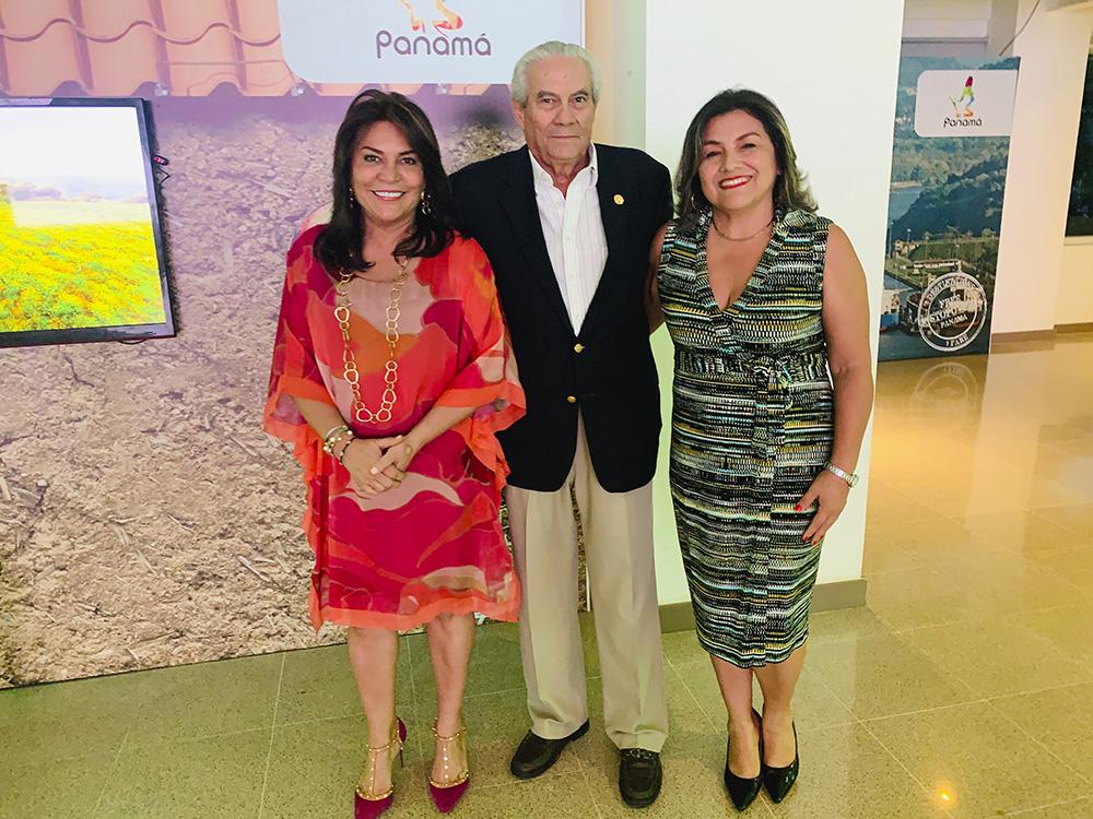 Liriola Pitty, Antonio Alfaro y Patricia Puentes
