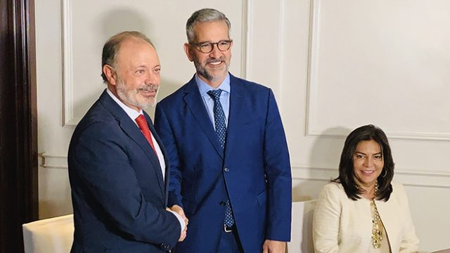 Línea aérea española y PROMTUR de Panamá firman acuerdo de promoción turística en mercados europeos