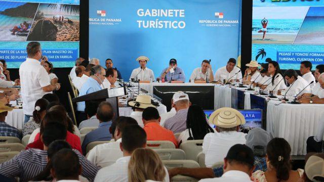 Gabinete Turístico se celebra en Pedasí para fortalecer el sector en importante área de tradición nacional o de interés internacional