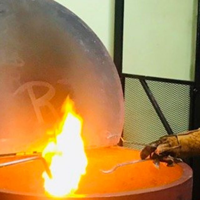 Un recorrido por los tesoros precolombinos dentro de una fábrica de piezas de Colección en Panamá