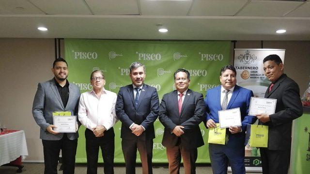 4to Concurso de coctelería a base de Pisco organizado por la Oficina Comercial del Perú en Panamá